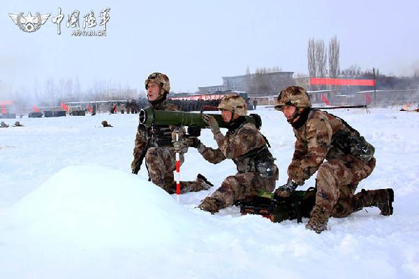 新疆塔城军分区某边防团掀起冬季大练兵热潮